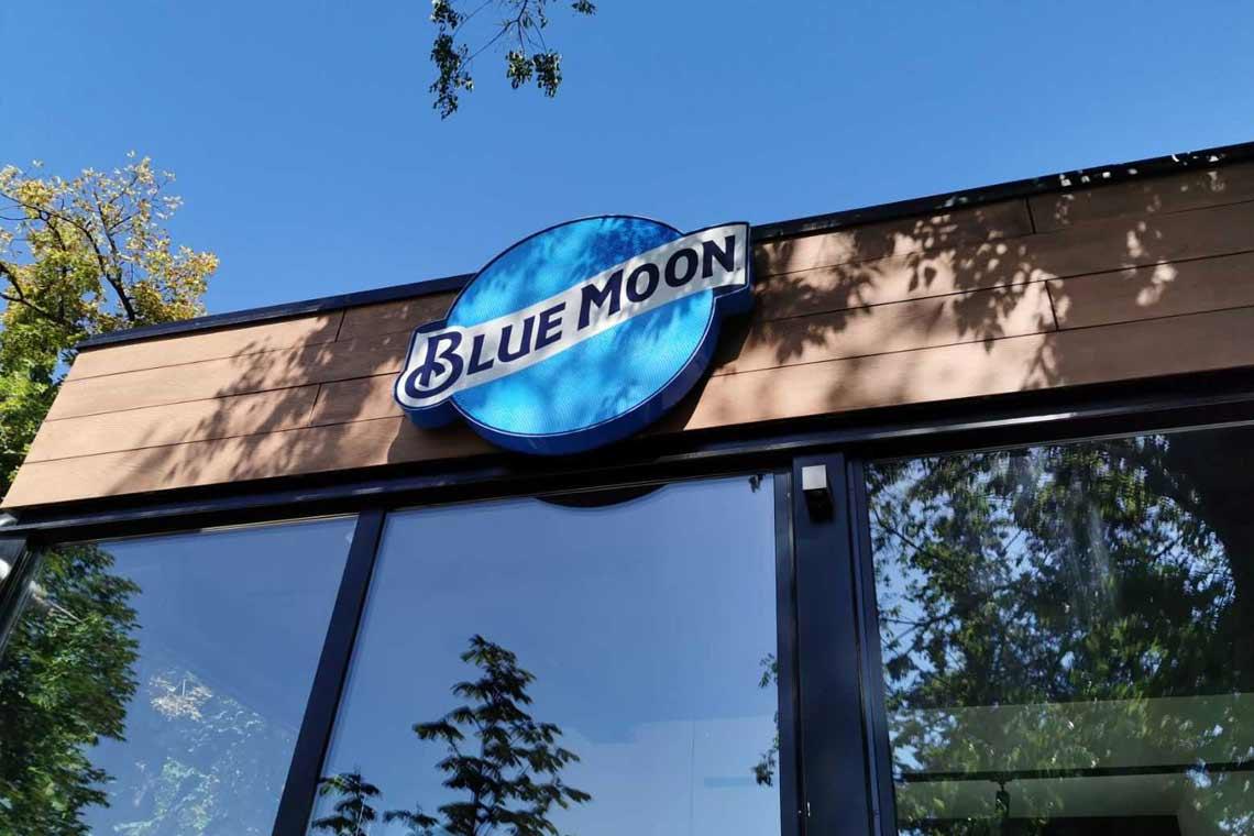 blue moon, bečej